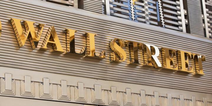 Почему Биткоин сегодня падает Вина Уолл-Стрит